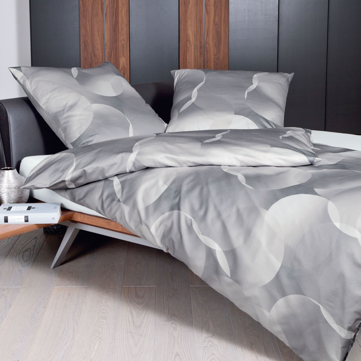 Janine Mako Satin Bettwasche Messina Design 43022 07 Atmosphare