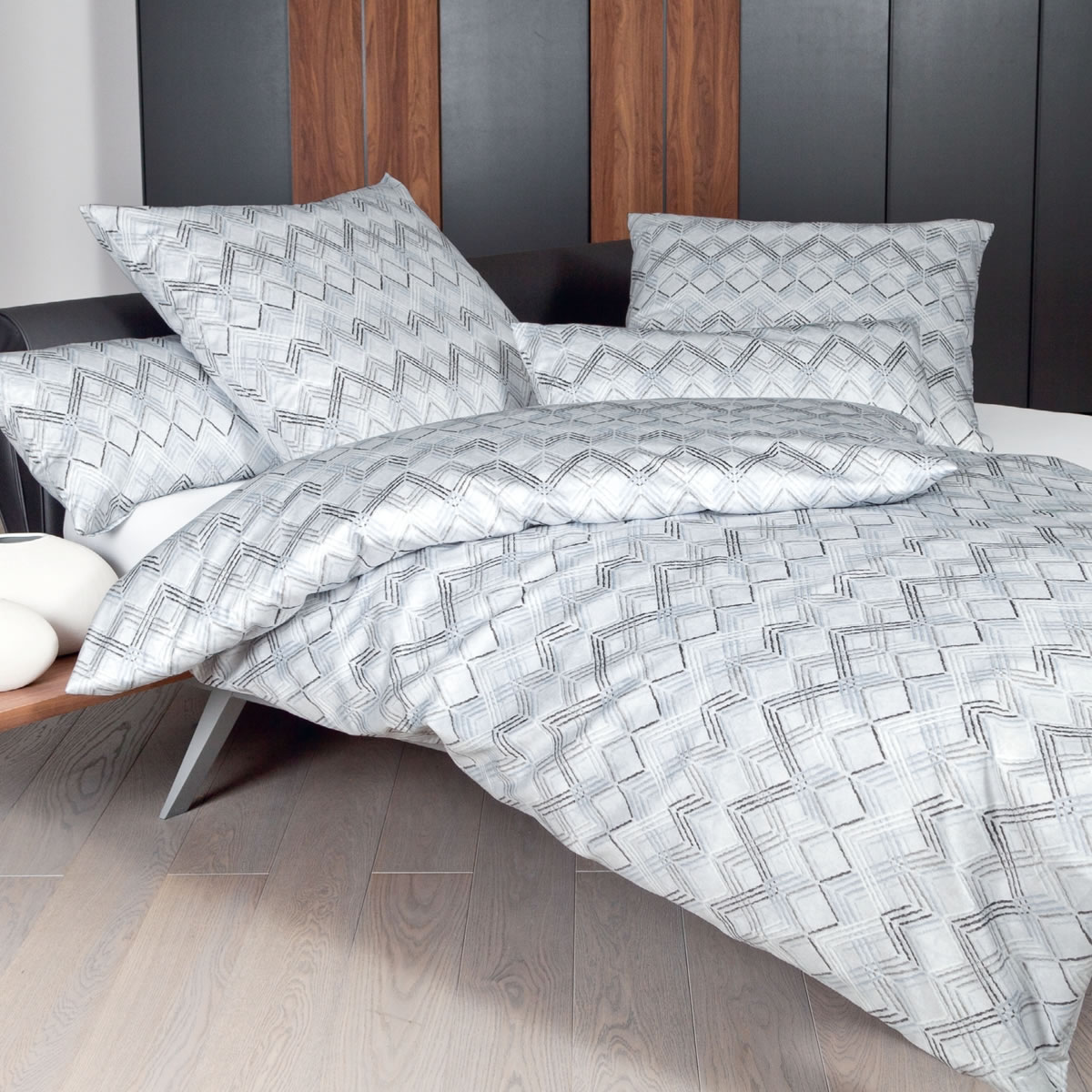 bettwsche silbergrau elegant jerymood mf jersey interlock bettwsche orchideen einzelbett tlg. Black Bedroom Furniture Sets. Home Design Ideas