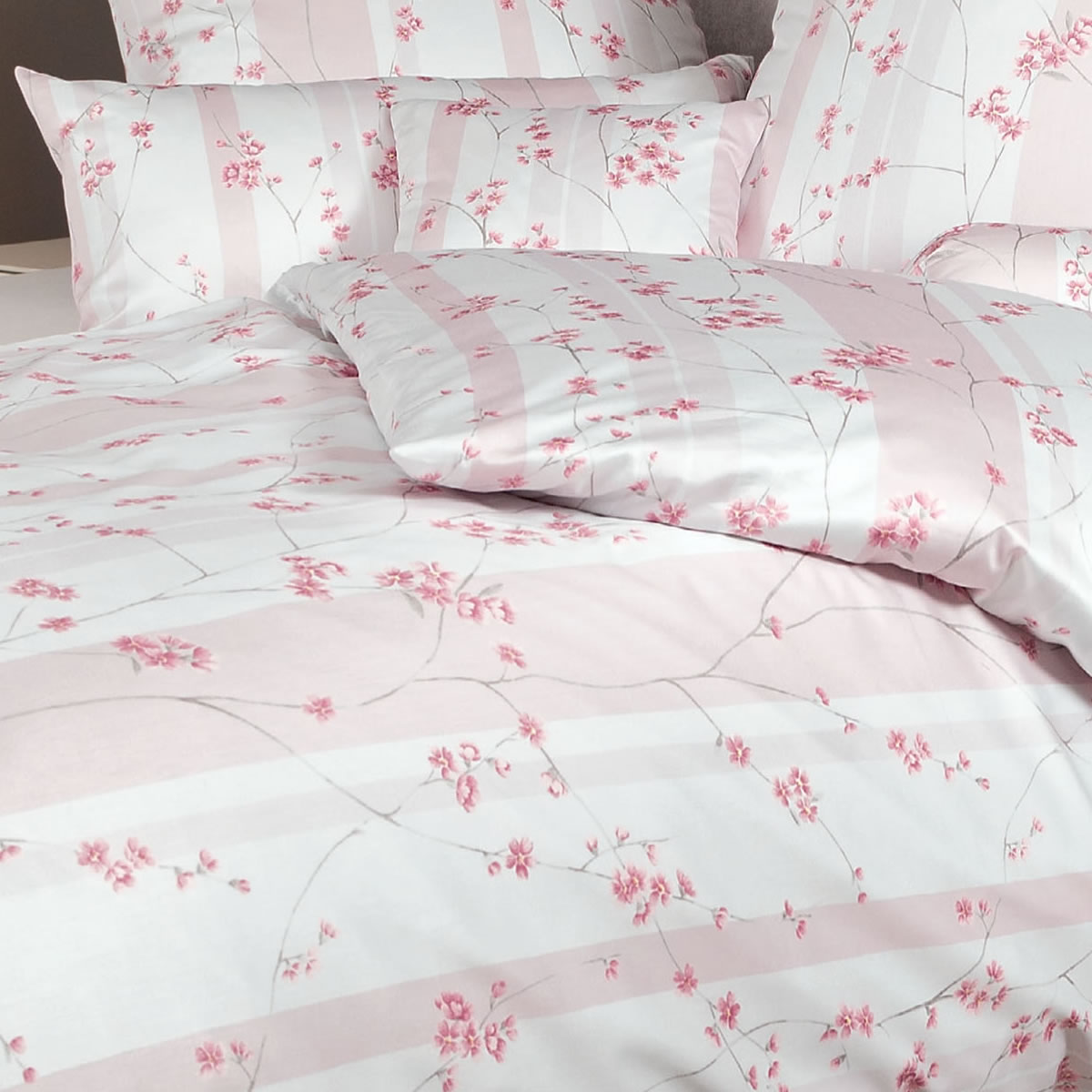 janine interlock fein jersey bettw sche carmen 53043 01 ros rosa wei blumen ebay. Black Bedroom Furniture Sets. Home Design Ideas