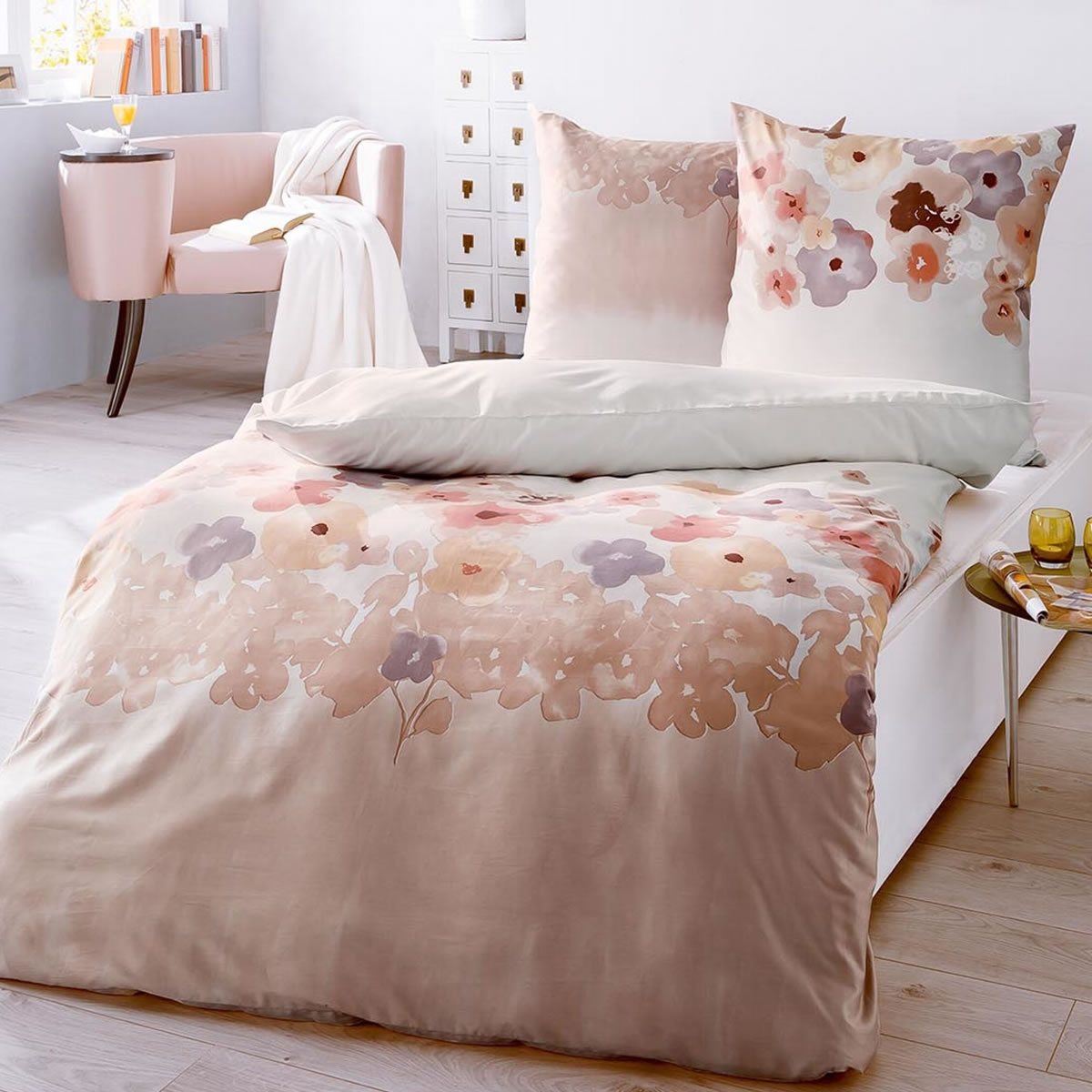 kaeppel biber bettw sche 155x220 cm design 51456 pompom creme blumen. Black Bedroom Furniture Sets. Home Design Ideas