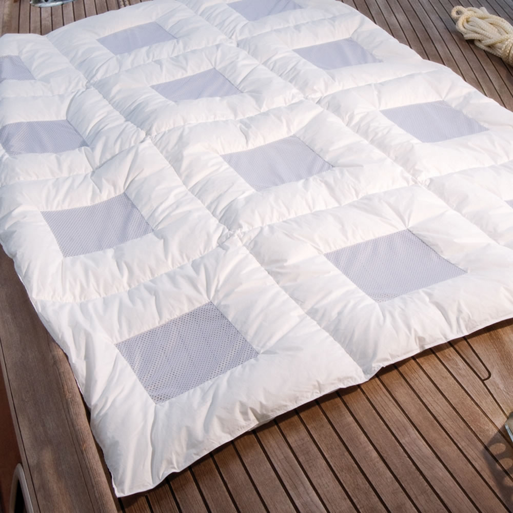 climabalance comfort light sommer daunendecke in 135x200 cm 60629. Black Bedroom Furniture Sets. Home Design Ideas