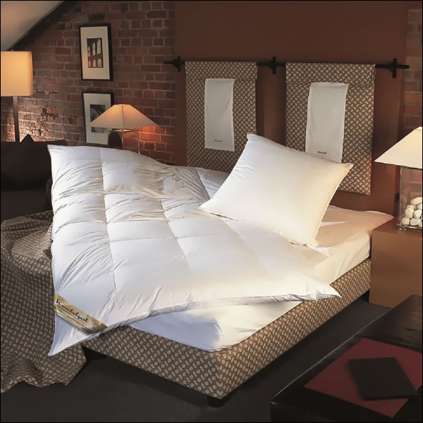 winter daunendecke 135x200 cm 90 daunen extra warm daunenbett 10 cm innensteg ebay. Black Bedroom Furniture Sets. Home Design Ideas