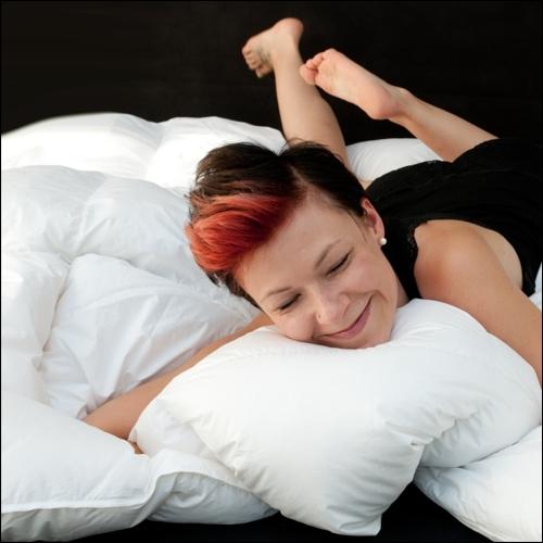 100 g nse daunendecke mit 3 cm innensteg 200x220 cm restposten winterdecke. Black Bedroom Furniture Sets. Home Design Ideas