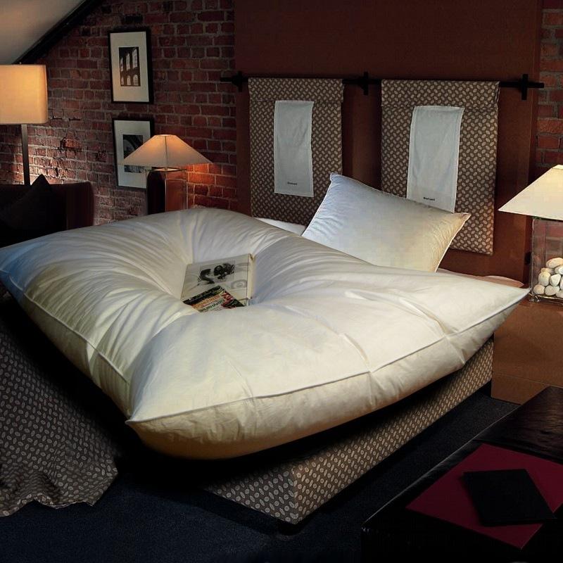 70 federn und 30 daunen oberbett 155x220 cm 3000 gramm ballonbett. Black Bedroom Furniture Sets. Home Design Ideas