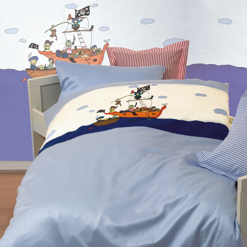 lorenchen maco satin kinderbettw sche in 135x200 piraten blau. Black Bedroom Furniture Sets. Home Design Ideas