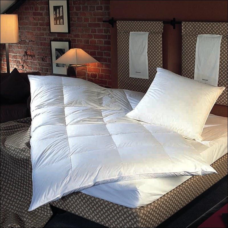 entendaunen decke gallery of ob und wie du deine daunendecke waschen solltest ist im normalfall. Black Bedroom Furniture Sets. Home Design Ideas